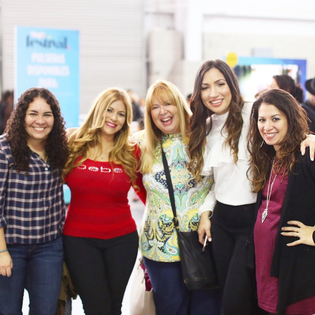 Alex Tabar & Latina Bloggers