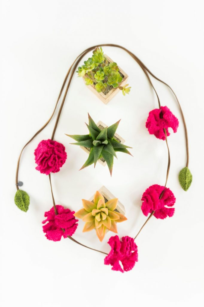 FriFrida & Chloé Pink Carnations Necklace